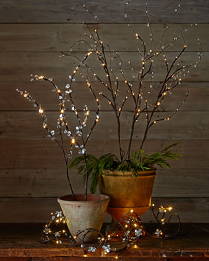 GG Collection Lighted Branches & Garland