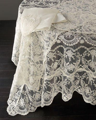 Chantilly Lace Oblong Tablecloth, 144
