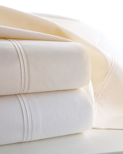 Two Marcus Collection Standard 600TC Solid Percale Pillowcases