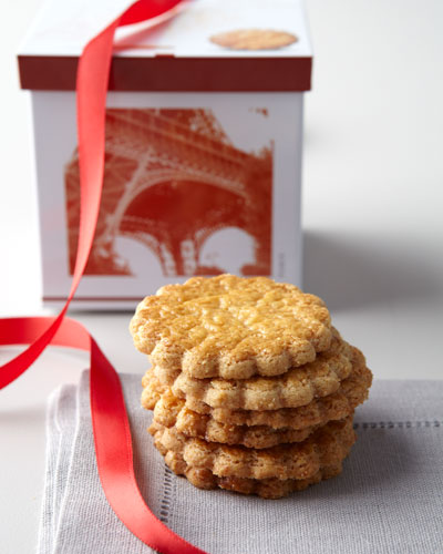 French Tin with Round Shortbread Cookies